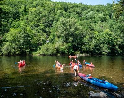Initiation Canoë avec les vacanciers du Camping au Soleil sur la Dordogne